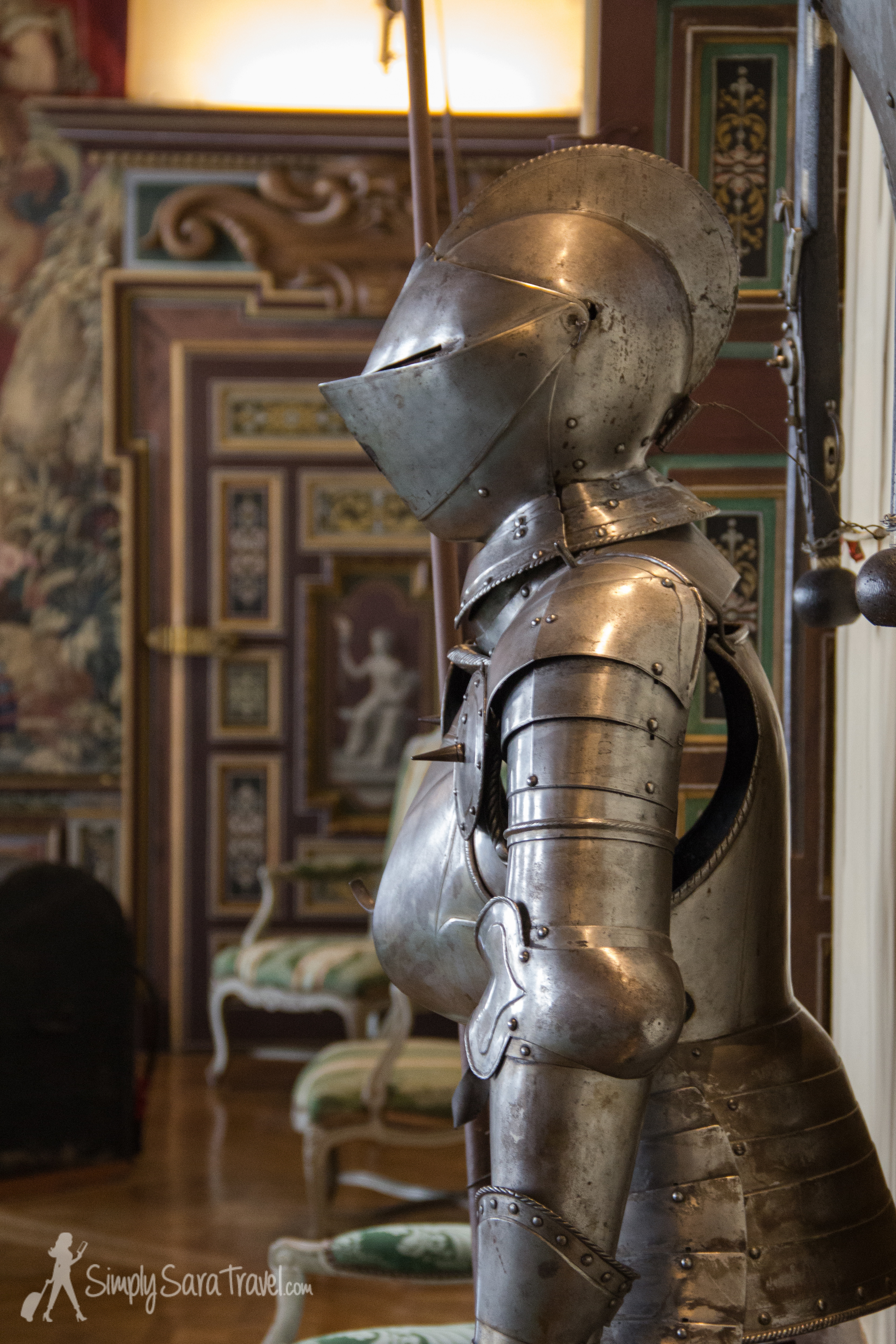 In the arms room a collection of weapons and armor were displayed from the 15th, 16th, and 17th centuries.