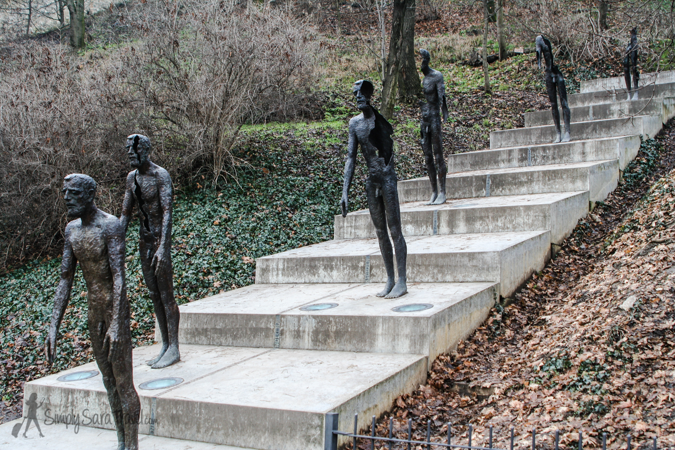 """The plaque nearby reads:""""The memorial to the victims of communism is dedicated to all victims not only those who were jailed or executed but also those whose lives were ruined by totalitarian despotism"""" ( see Wikipedia )."""