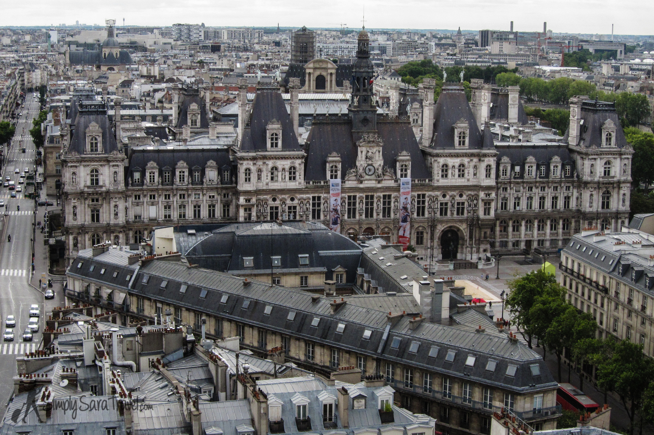 The best view from above that I've gotten of the front ofHôtel de Ville