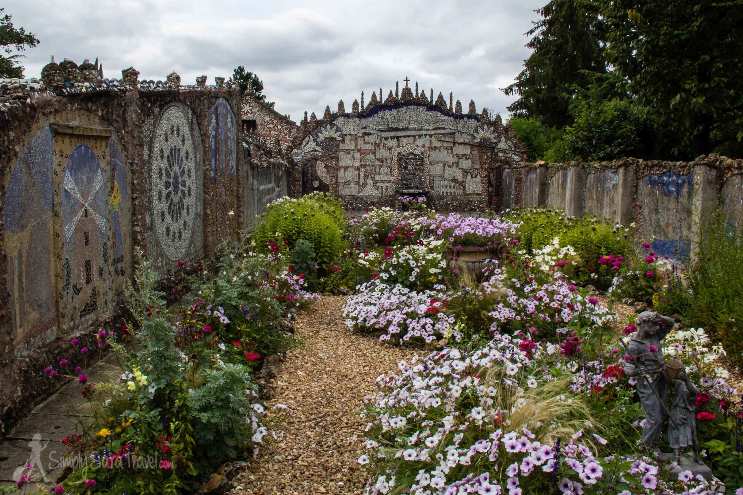 The garden of Maison Picassiette