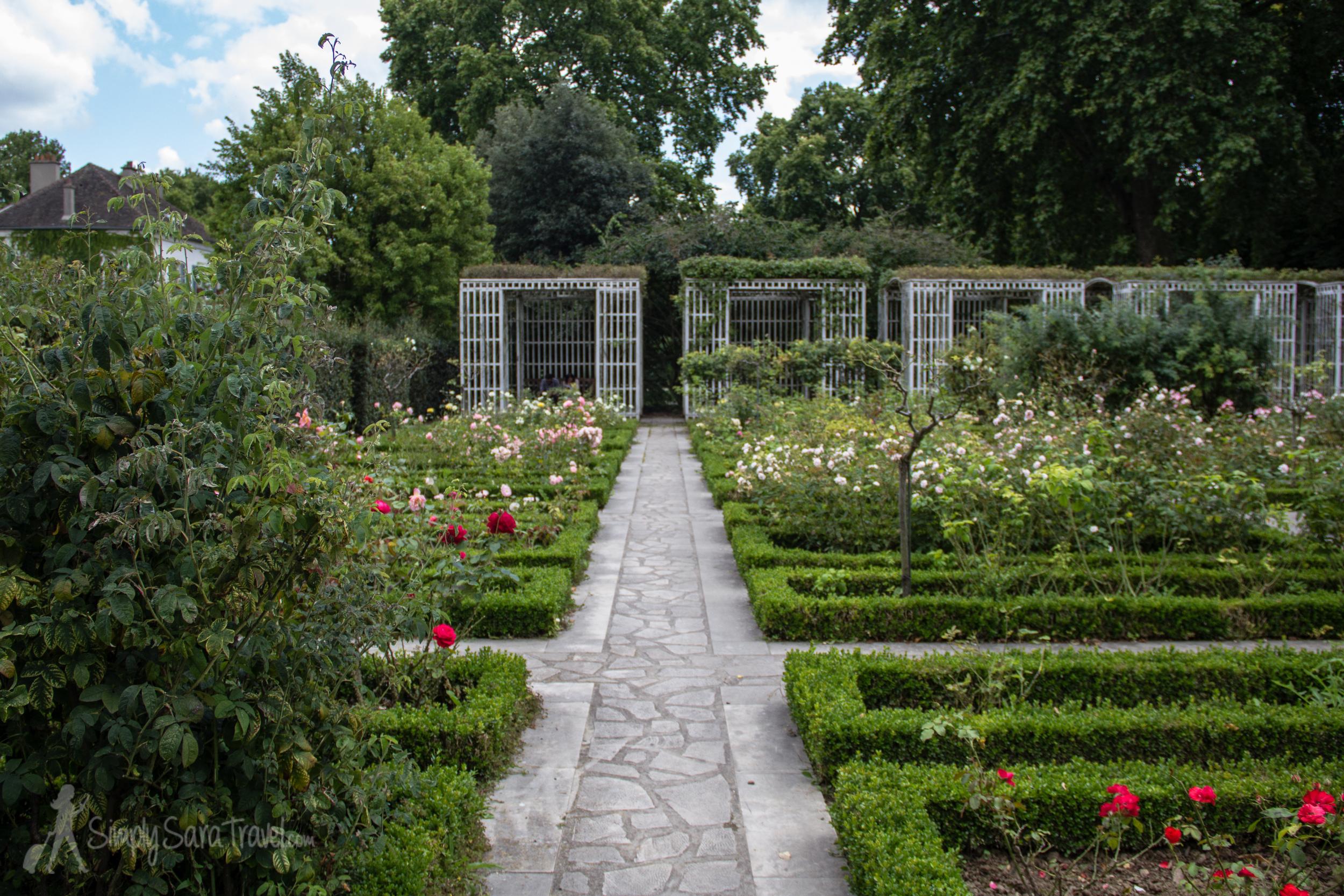 One of the nine formal gardens in theJardin Yitzhak Rabin