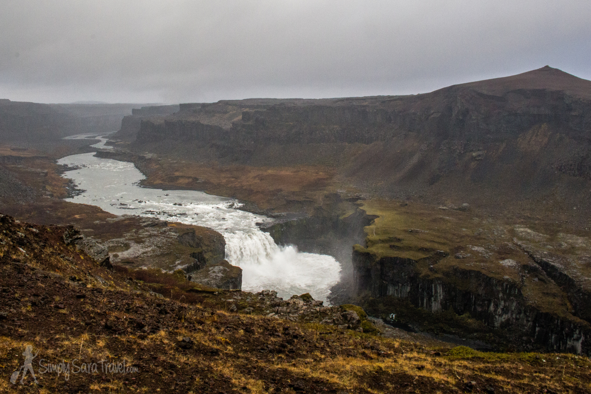 As we drove away from Dettifoss, we followed a sign for a lookout point of the next waterfall downstream, Hafragilsfoss. The spot gave us an appreciation from afar of Dettifoss' size.