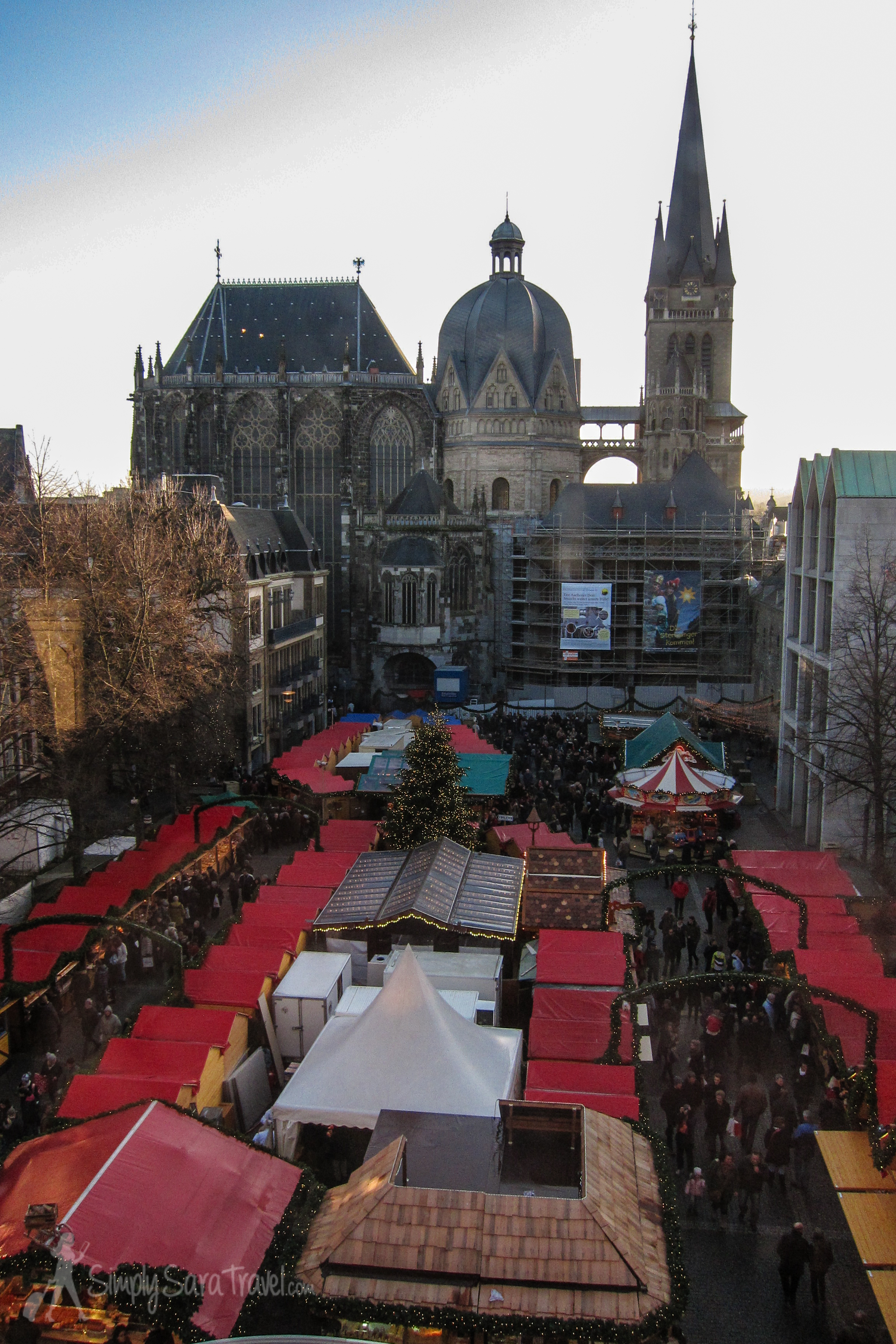 The Aachen Cathedral was built byEmperor Charlemagne and houses histhrone. A definitehighlight of the town!