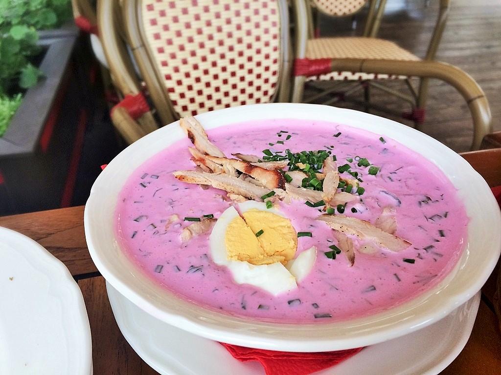Cold borscht soup (chlodnik)