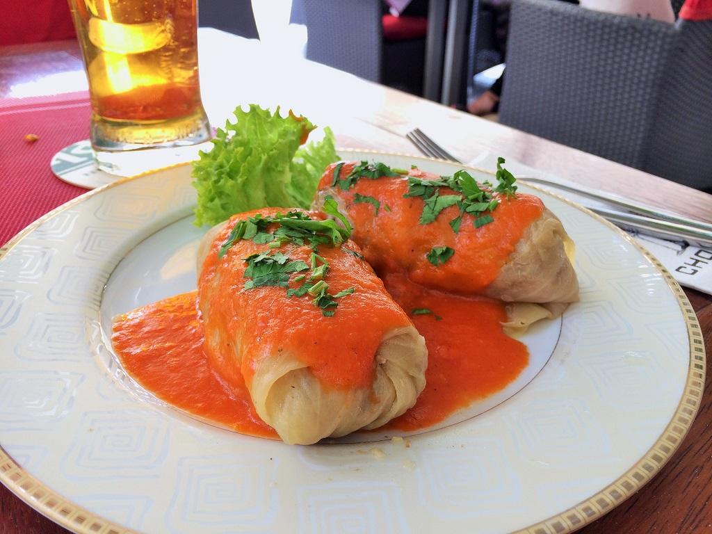 Stuffed cabbage rolls (golabki)
