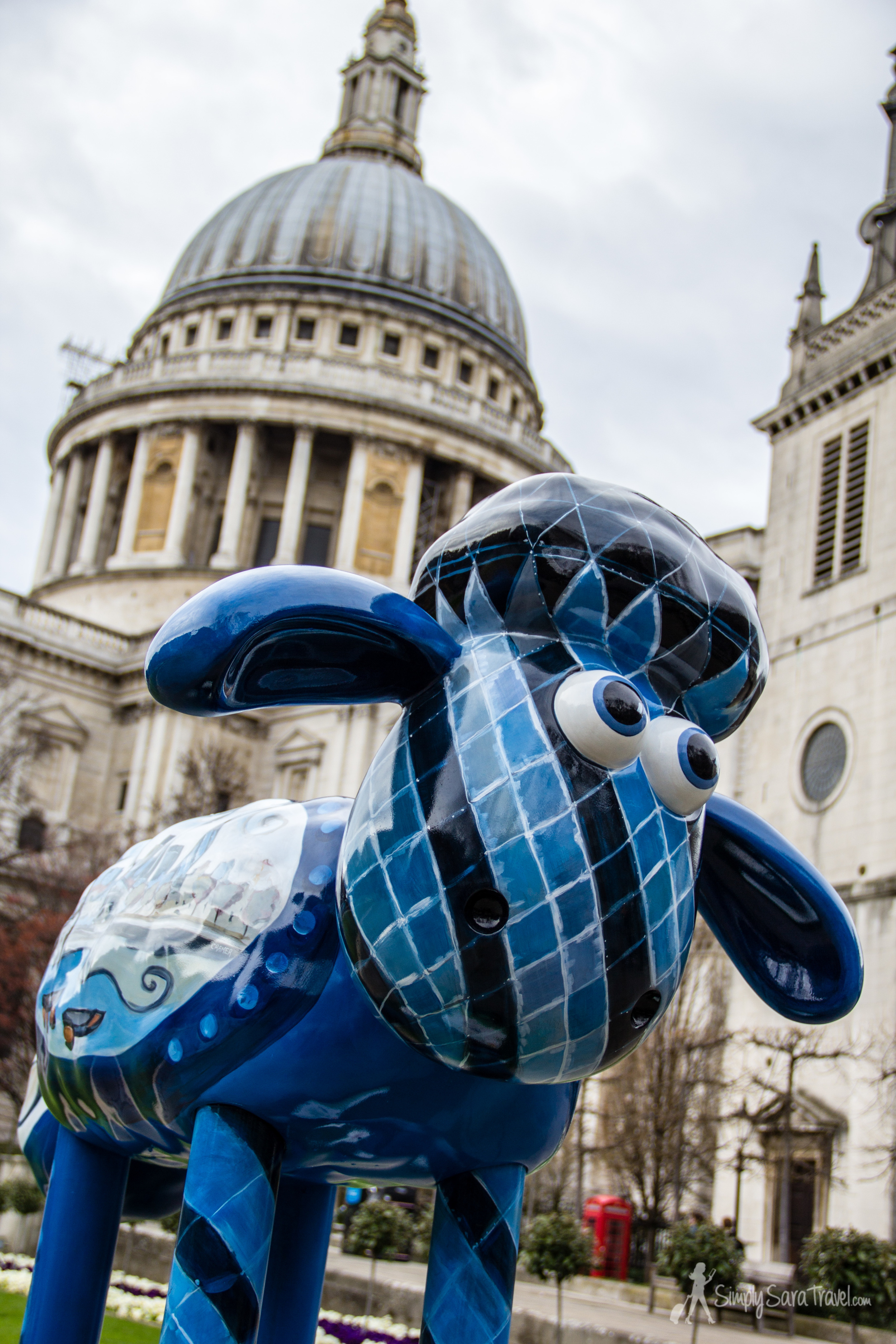Did I mention Iwas in London during an art exhibit featuring sheep all over the city?! As I've hinted at before,  any city  that has sheep of some sort gets bonus points in my book![Thisexpo moved to Bristol, England where you can see  Shaun the Sheep  until the end of August 2015!]