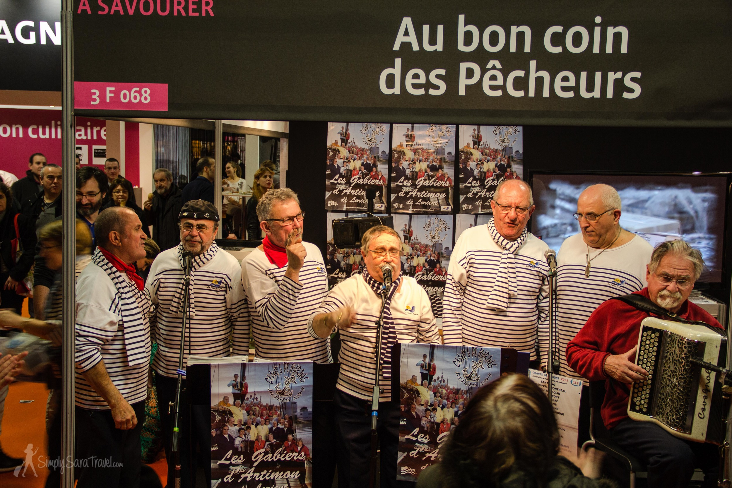 The Breton fishermen stole the show in the food pavilion, making the Bretagne (Brittany) corner the most boisterous and hopping region of France.