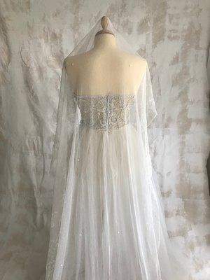 3978e387922d Antique Long Tambour Lace Wedding Veil