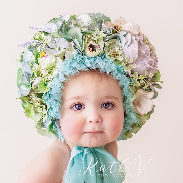 Emmy ❤️ www.kathv.com.au kath@kathv.com.au #kathvphotography #newborn #newborns #newbornphotography #melbournenewbornphotographer #melbournenewbornphotography #newbornphotographymelbourne #baby #babies #babyphotography #melbournebabyphotography #melbournebabyphotographer #babyphotographymelbourne #babyphotographermelbourne #sittersessions #kathvsignaturefloralbonnet #floralbonnet  #teachingvideos #sitters #inspired_by_colour #babiesofinstagram #justbaby #bestnewbornphotographer #manilababyphotographer