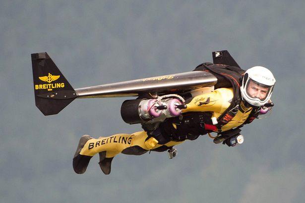 'Jetman' Yves Rossy flies over Lake Lucerne, Switzerland-939499.jpg