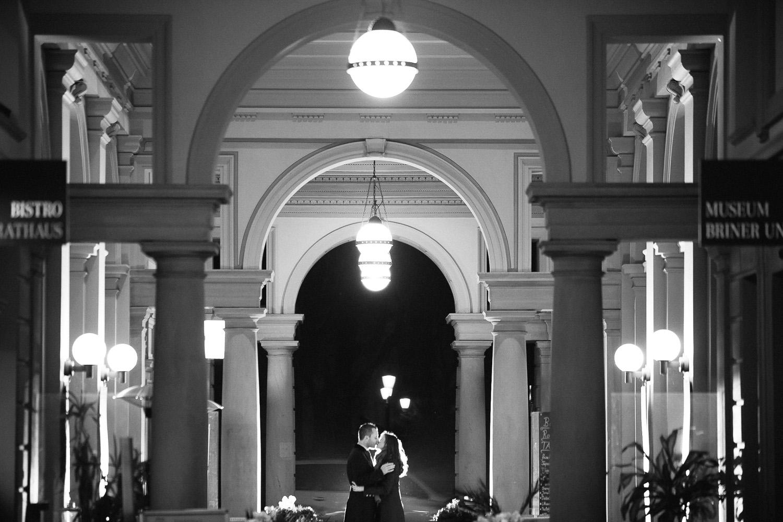 Brautpaar nach der Trauung im Schweizer Winterthur - Hochzeitsfotografie Junge trifft Mädchen