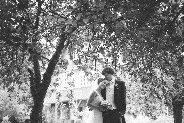 Hochzeitspaar Blumengarten Schlemmin