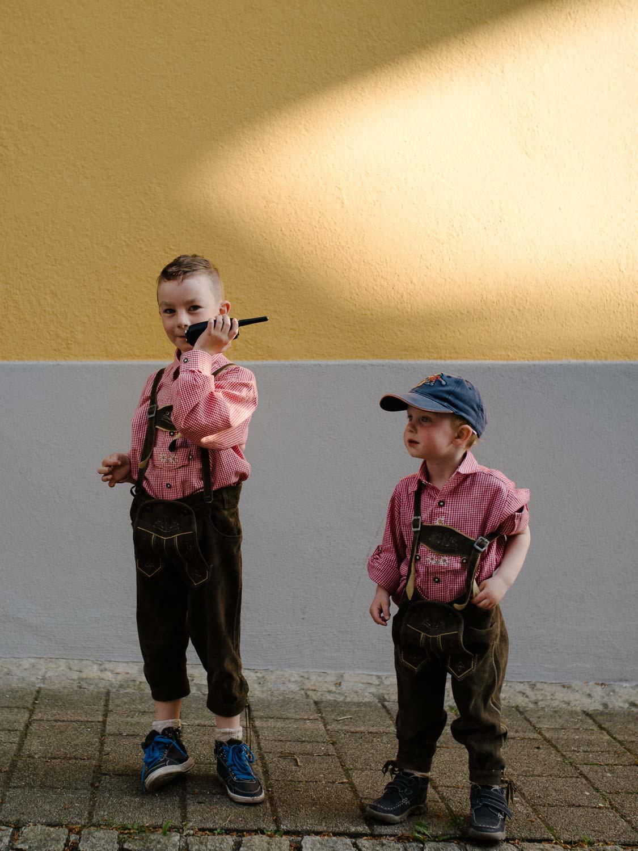 Kinder beim spielen Hochzeit Rostocker Fotograf in Augsburg