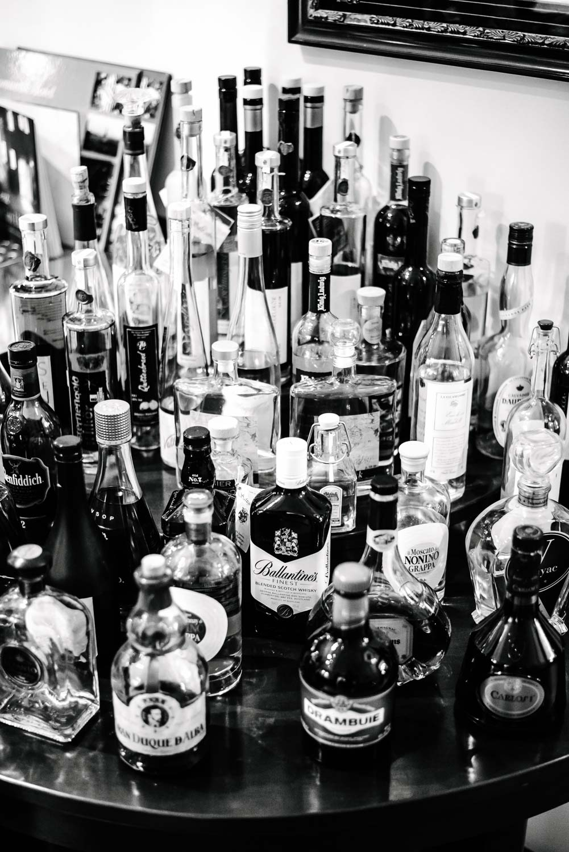 Detail Alkohol Flaschen Bar Hochzeit Rostocker Fotograf in Augsburg