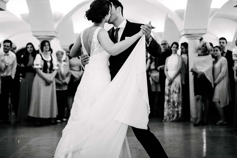 Hochzeitstanz Braut und Bräutigam Hochzeit Rostocker Fotograf in Augsburg