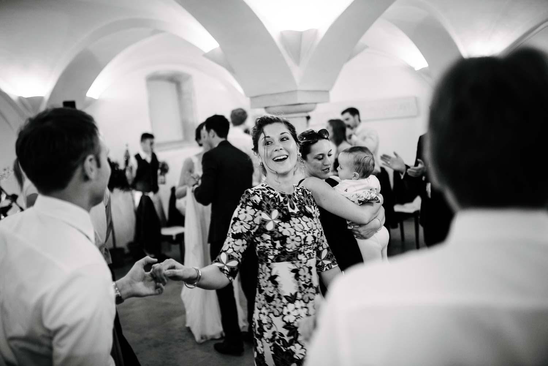 Brautjungfer beim tanzen Hochzeit Rostocker Fotograf in Augsburg