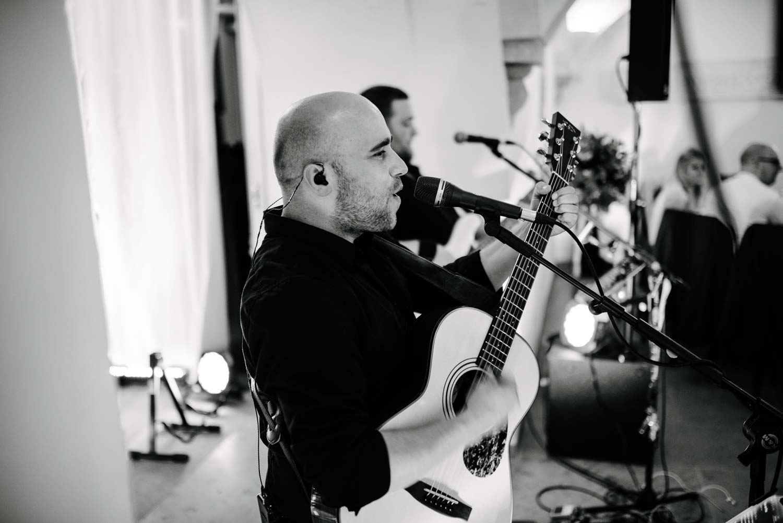 Hochzeitsband Musiker spielen live Hochzeit Rostocker Fotograf in Augsburg