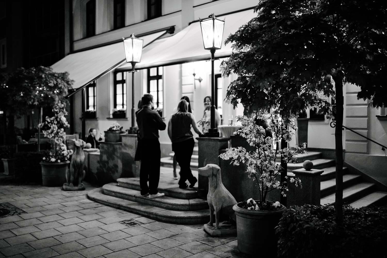 Einganz Hotel Schreieggs Post Hochzeit Rostocker Fotograf in Augsburg