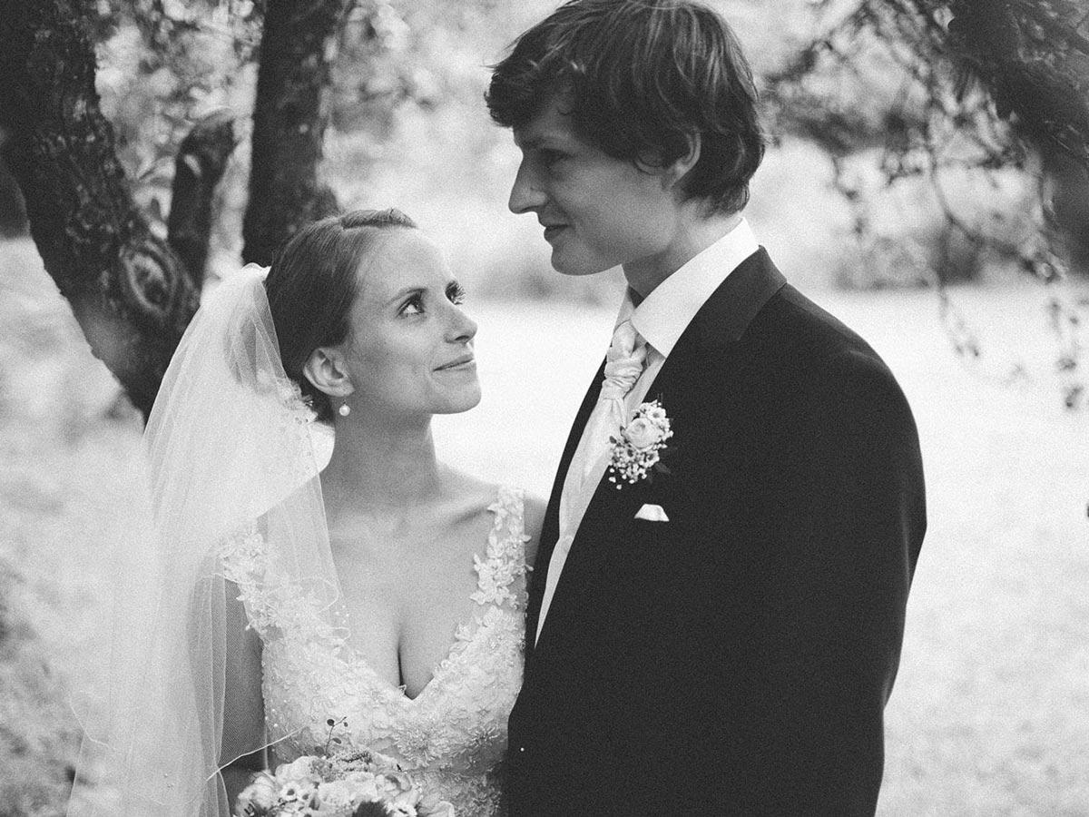 Hochzeitsfotografie im Schloss Schlemmin - Junge trifft Mädchen