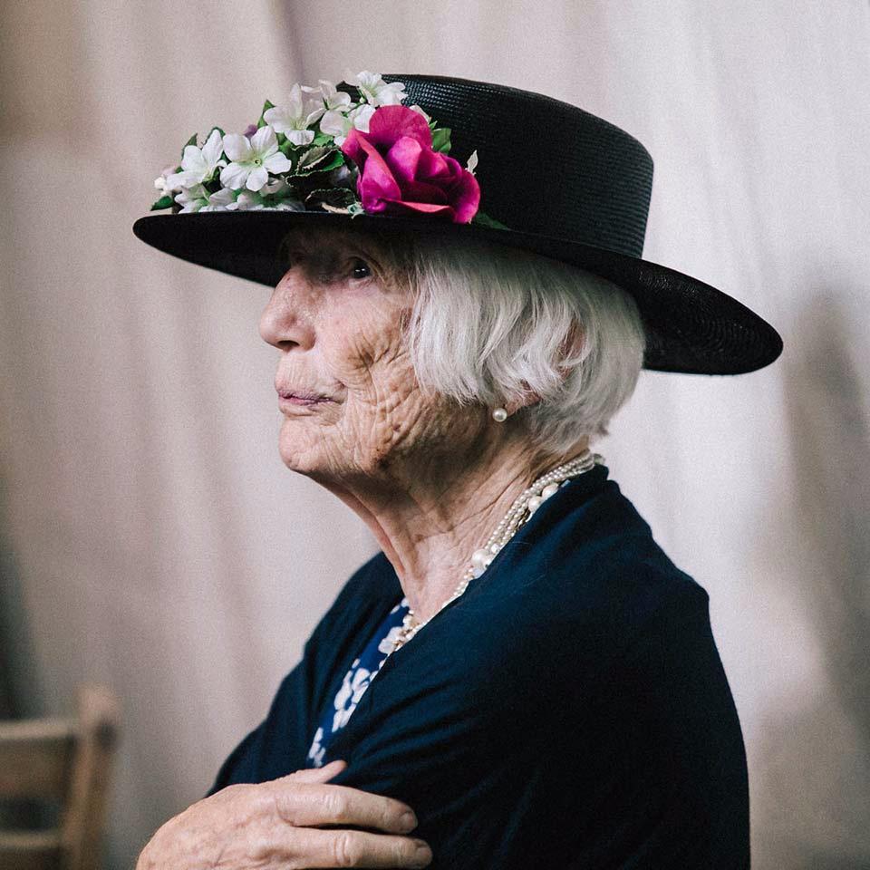 Hochzeitsportrait Dame mit Hut