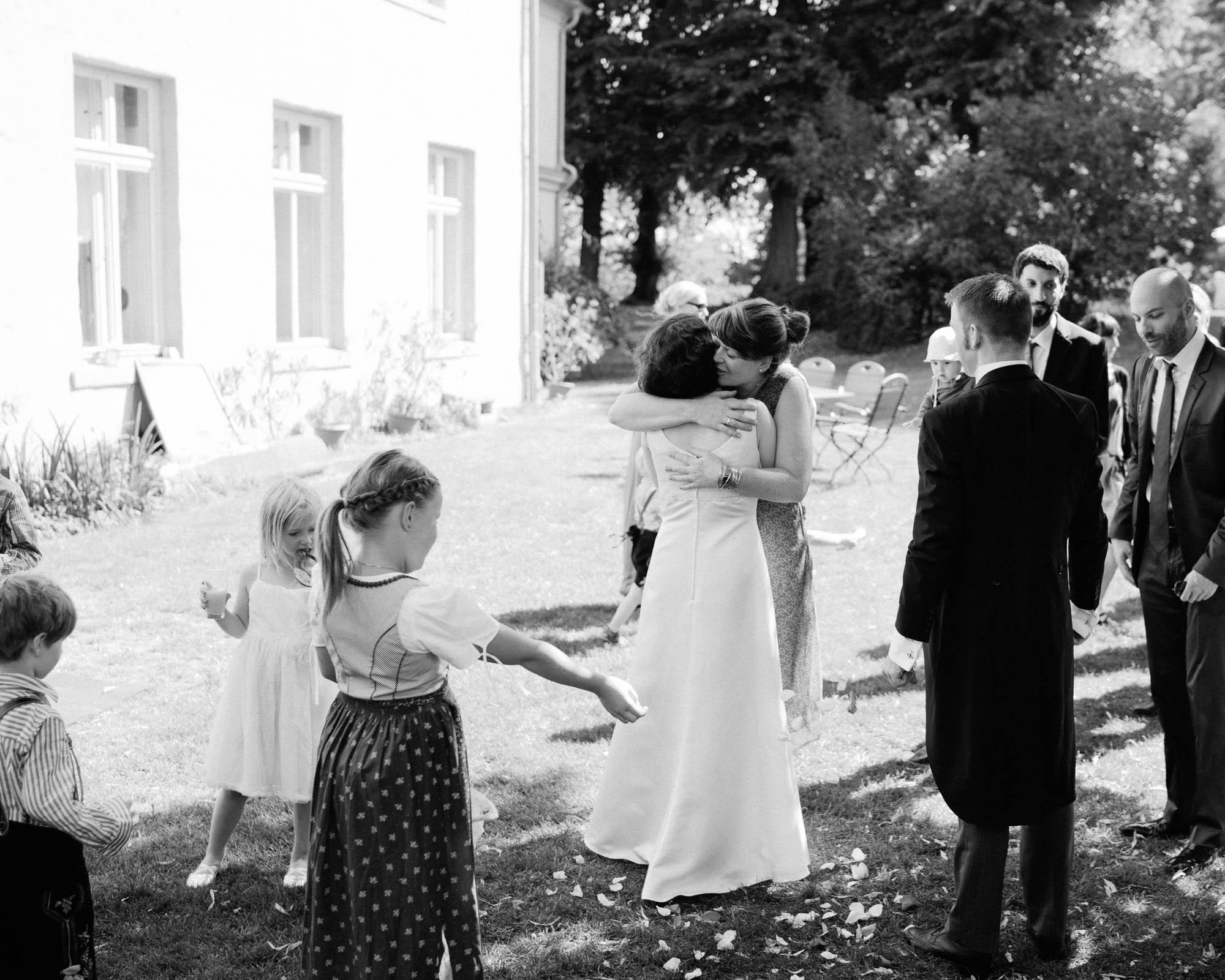 0068-Hochzeitsfotograf-Schloss-Lühburg.jpg