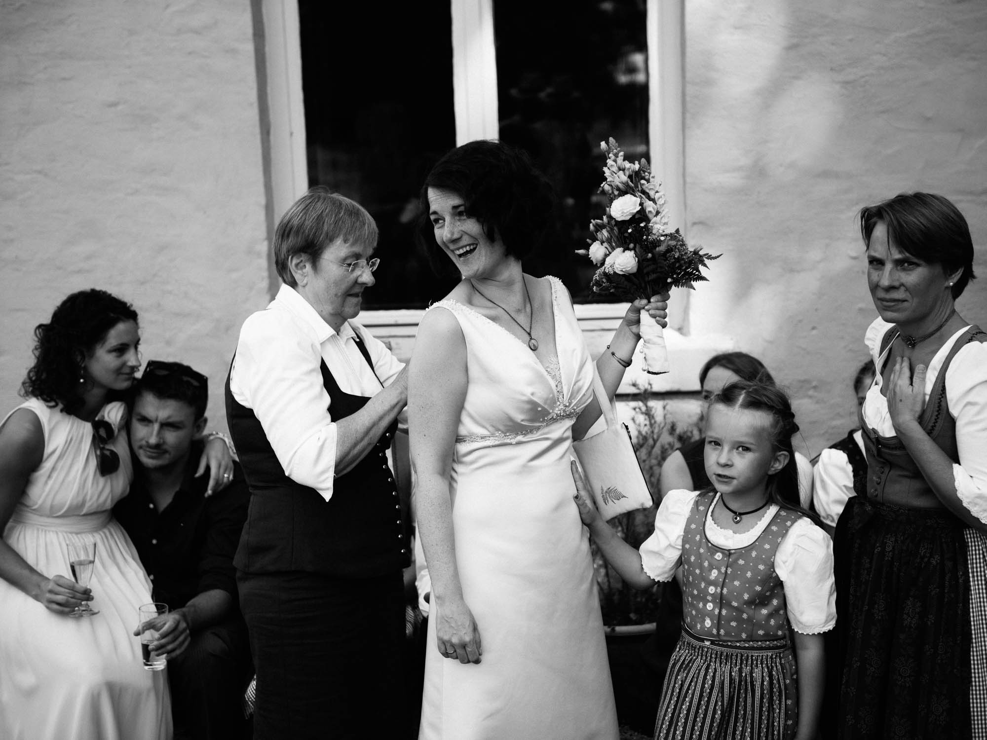 0079-Hochzeitsfotograf-Schloss-Lühburg.jpg