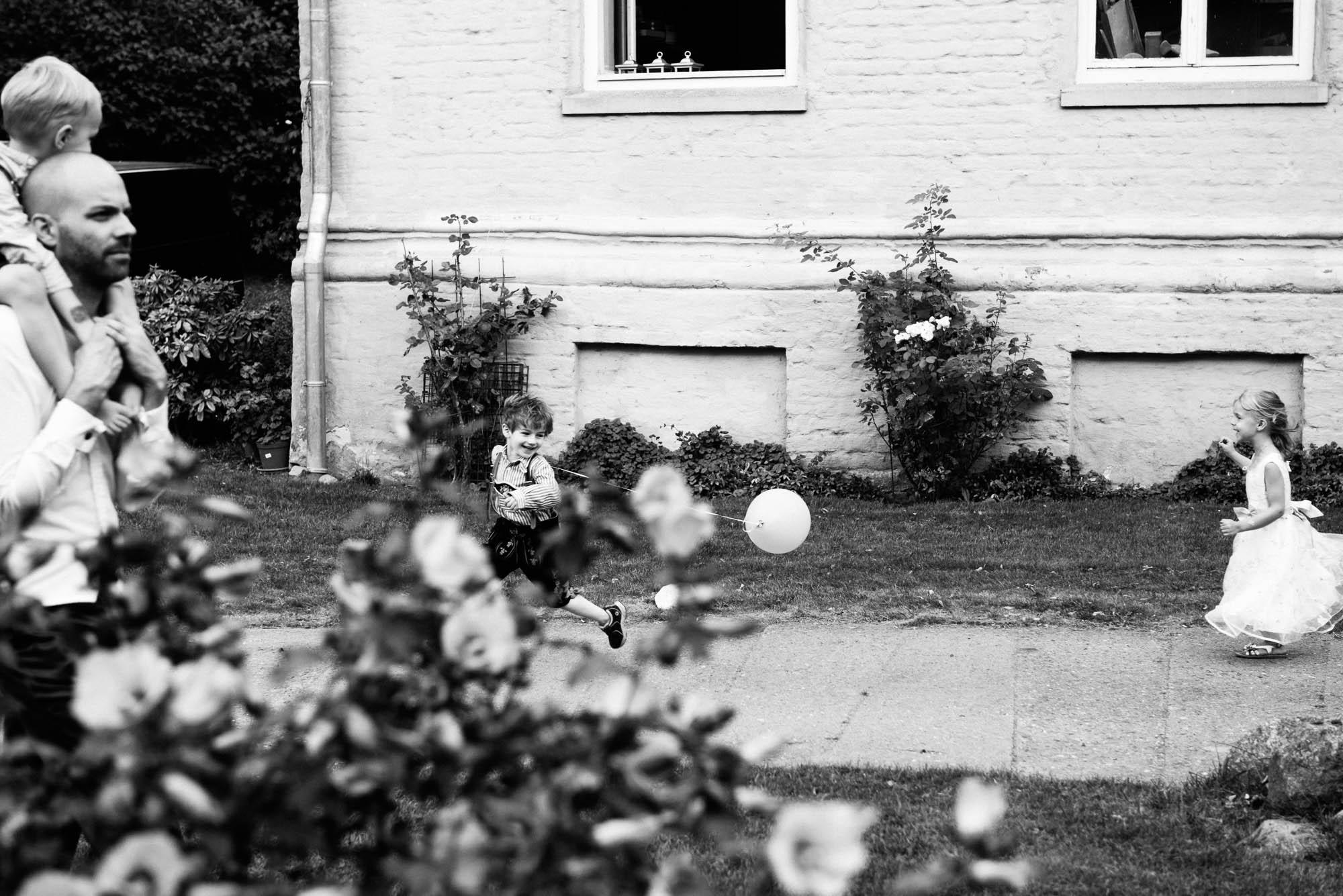 0125-Hochzeitsfotograf-Schloss-Lühburg.jpg