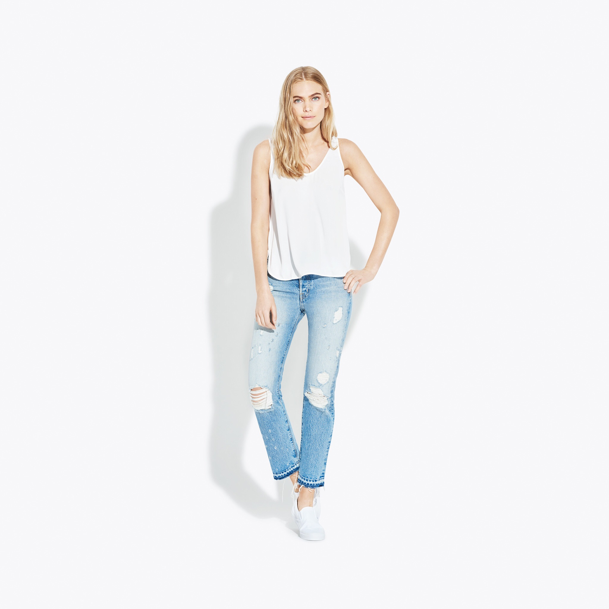 AYR The Form Jean   https:// www.ayr.com/products/the-form#19051002310