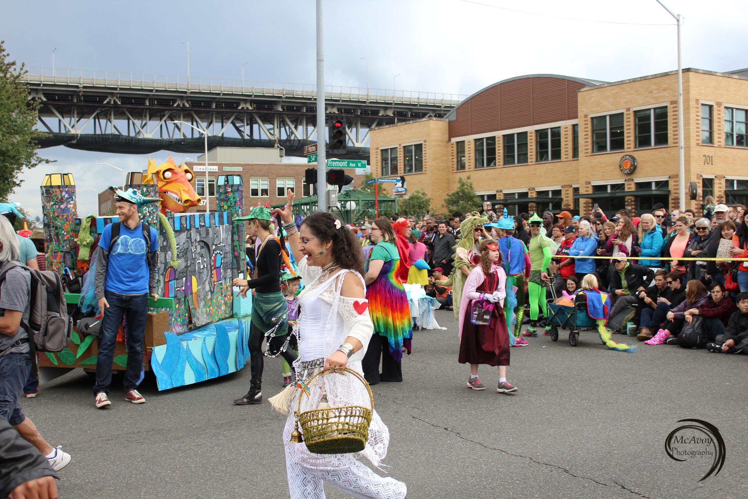 Dream Dance Cascadia member Xanna Mantra dances in front of our ensemble.