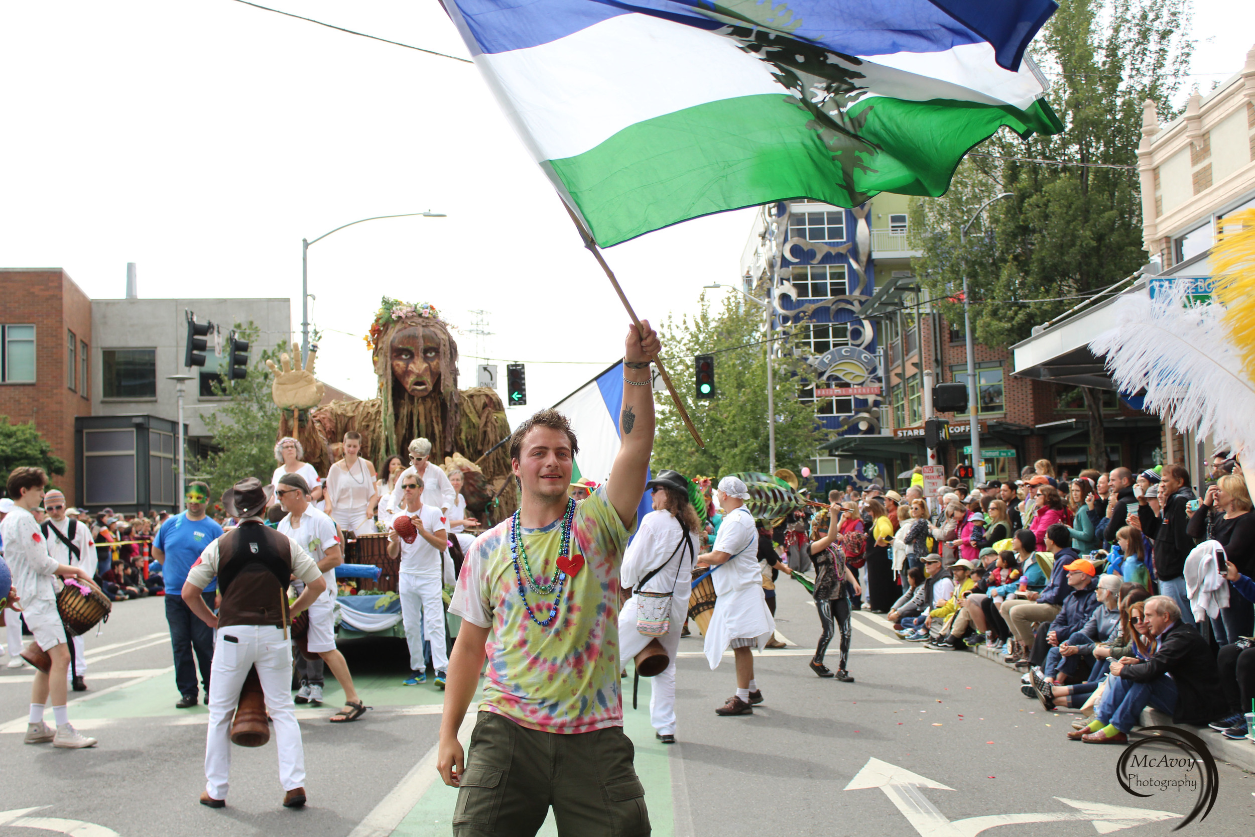 Local artist Danny Lange volunteered with us to be our proud Cascadia flag runner.