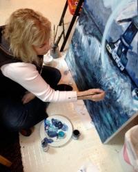 Lynn Hanson  Owner of Lynn Hanson Gallery Art Walk Edmonds Co-President