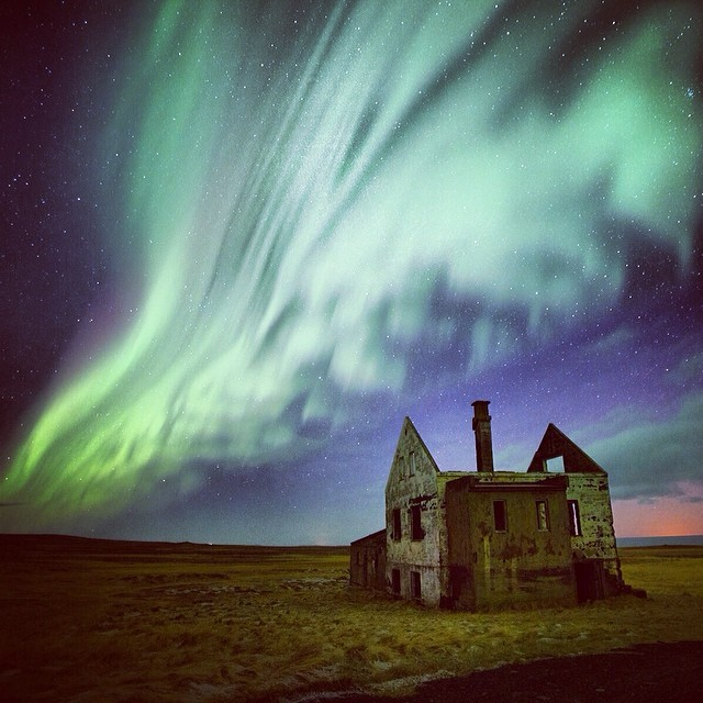 Photo_by__argonautphoto__Aaron_Huey__of_the_Aurora_Borealis_over_the_Snaefellsnes_peninsula_in_Western__Iceland.__Repost_from_an_accidentally_deleted_post_earlier_this_week._._I_had_never_seen_the_Northern_Lights_before.__I_chased_them_all_night_long.jpg