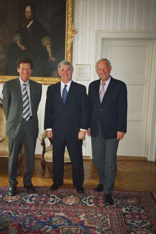 From left: Rektor Karlheinz Töchterle, Dean James Logan, Prof Franz Mathis, UNO-LFU Innsbruck Friendship Treaty Coordinator