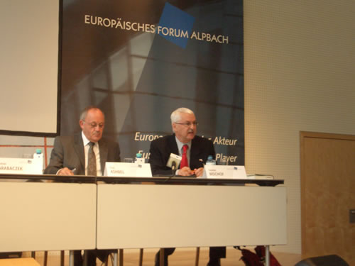 Dr. Bischof (r.) and Dan Ashbel, Ambassador of Israel to Austria