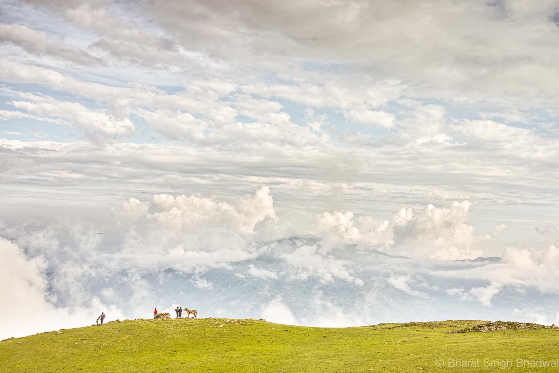 shepherds on horses at Chorgala