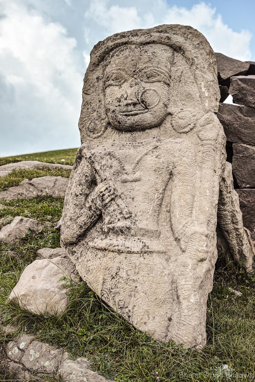 old stone idol at Shankh Pal temple Sanasar