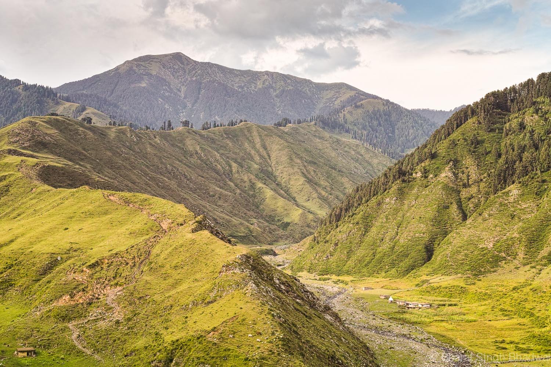 Ridge over Sarthal