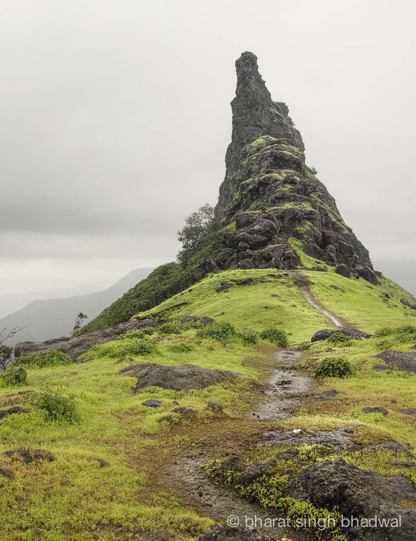 Route to Irshalgad pinnacle