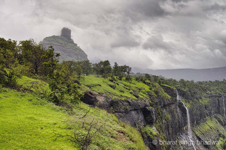 Peth / Kothaligad fort pinnacle draped in clouds