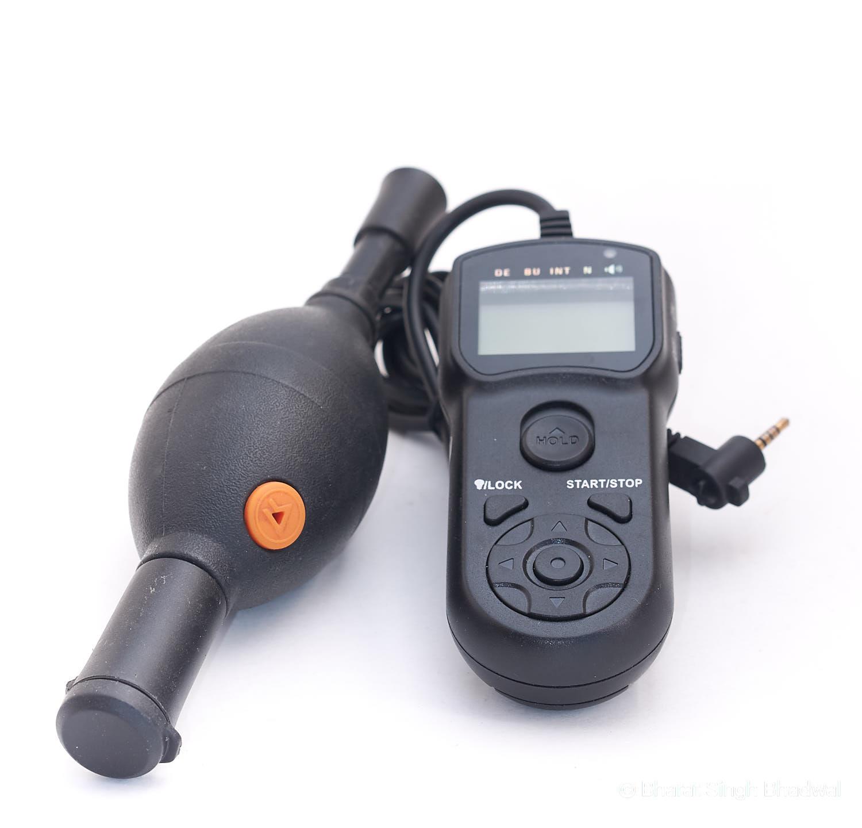 Vanguard Lens Cleaner and JJC Remote Trigger &Timer