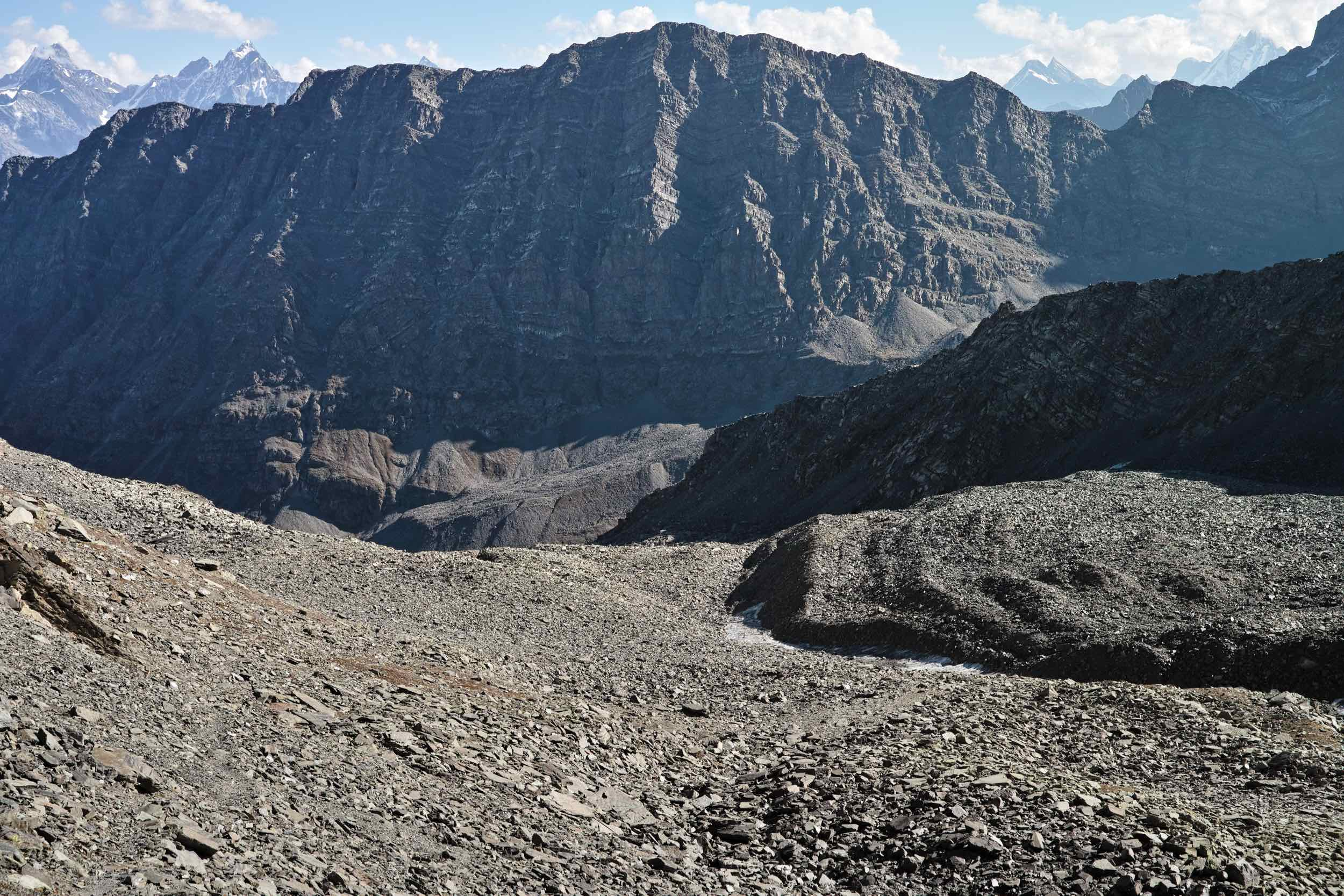 The trail from Mani Mahesh to Kalah pass is all shale and moraine
