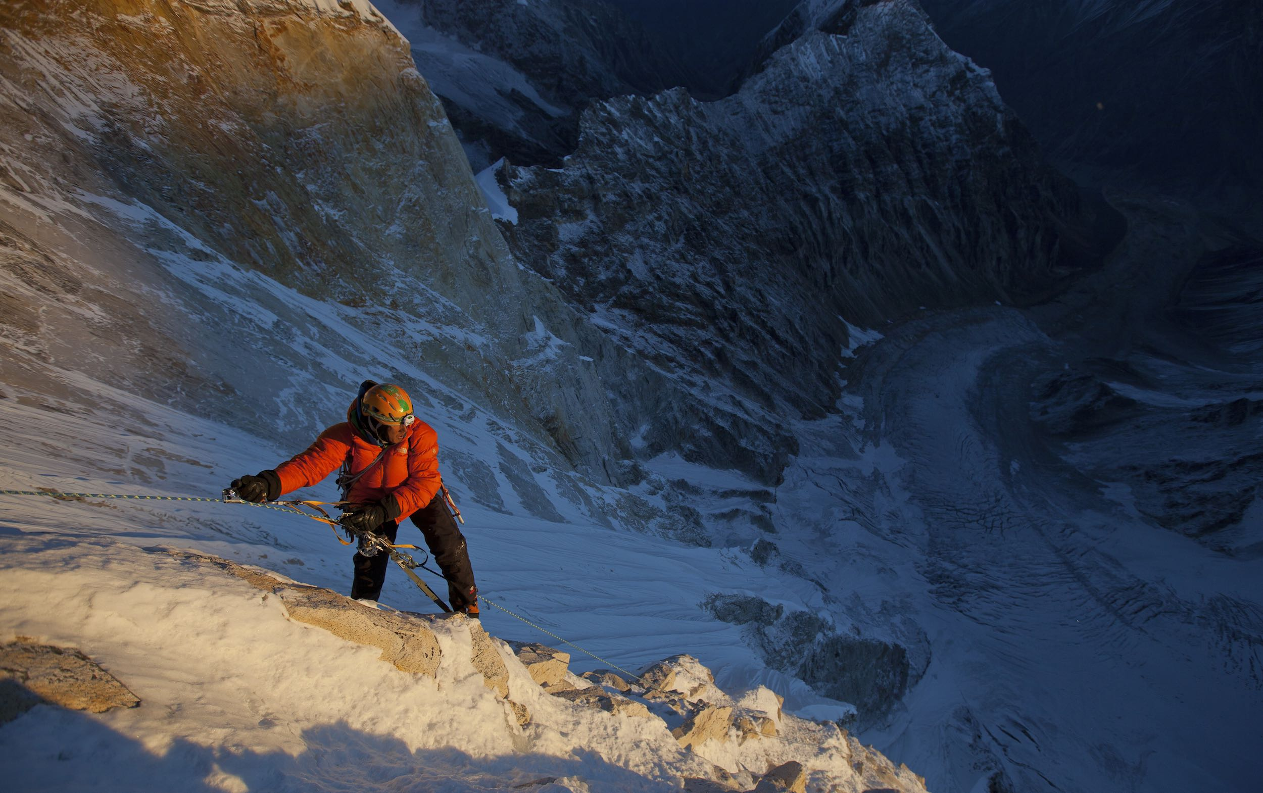 Jimmy Chin at first light on the 11th day of climbing. This was the summit day push. © Jimmy Chin from http://www.merufilm.com/
