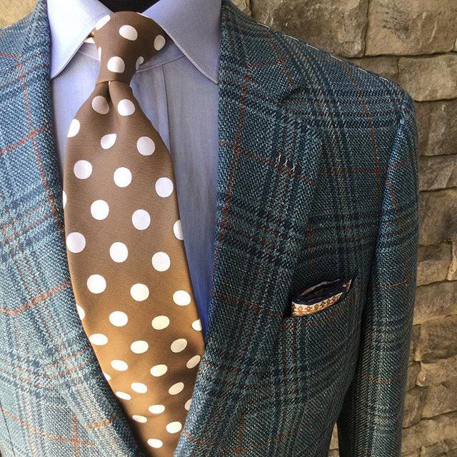 Who wore it best?  #stuartmercer #GentlemansLife #kentuckyderby #145thkentuckyderby #polkadots #prettywoman
