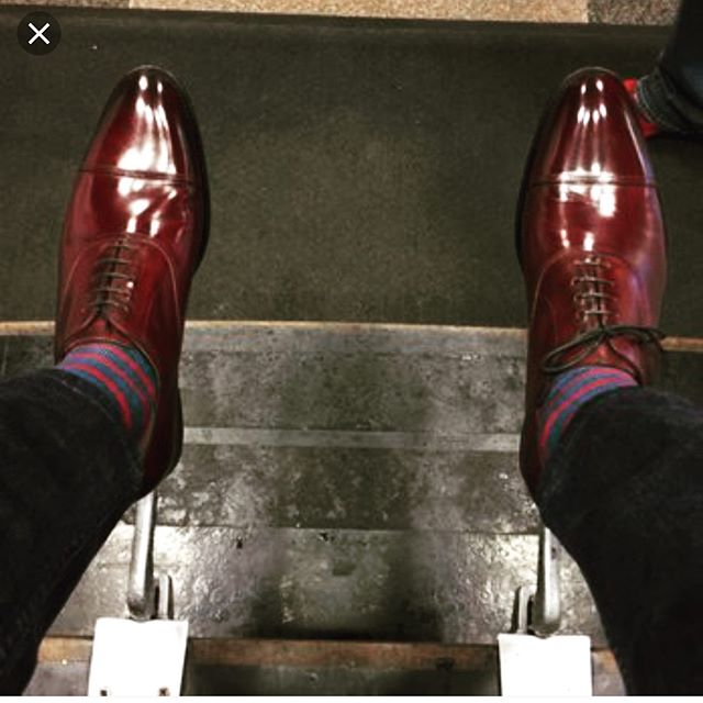Shoe Shine Friday at the Gentleman's Shop! Stop in for a visit and get a complimentary shoe shine from the man -Robert Williams. Today 12-3. #stuartmercer #gentlemanslife #shoeshine #shoeshinefriday #sharethelex