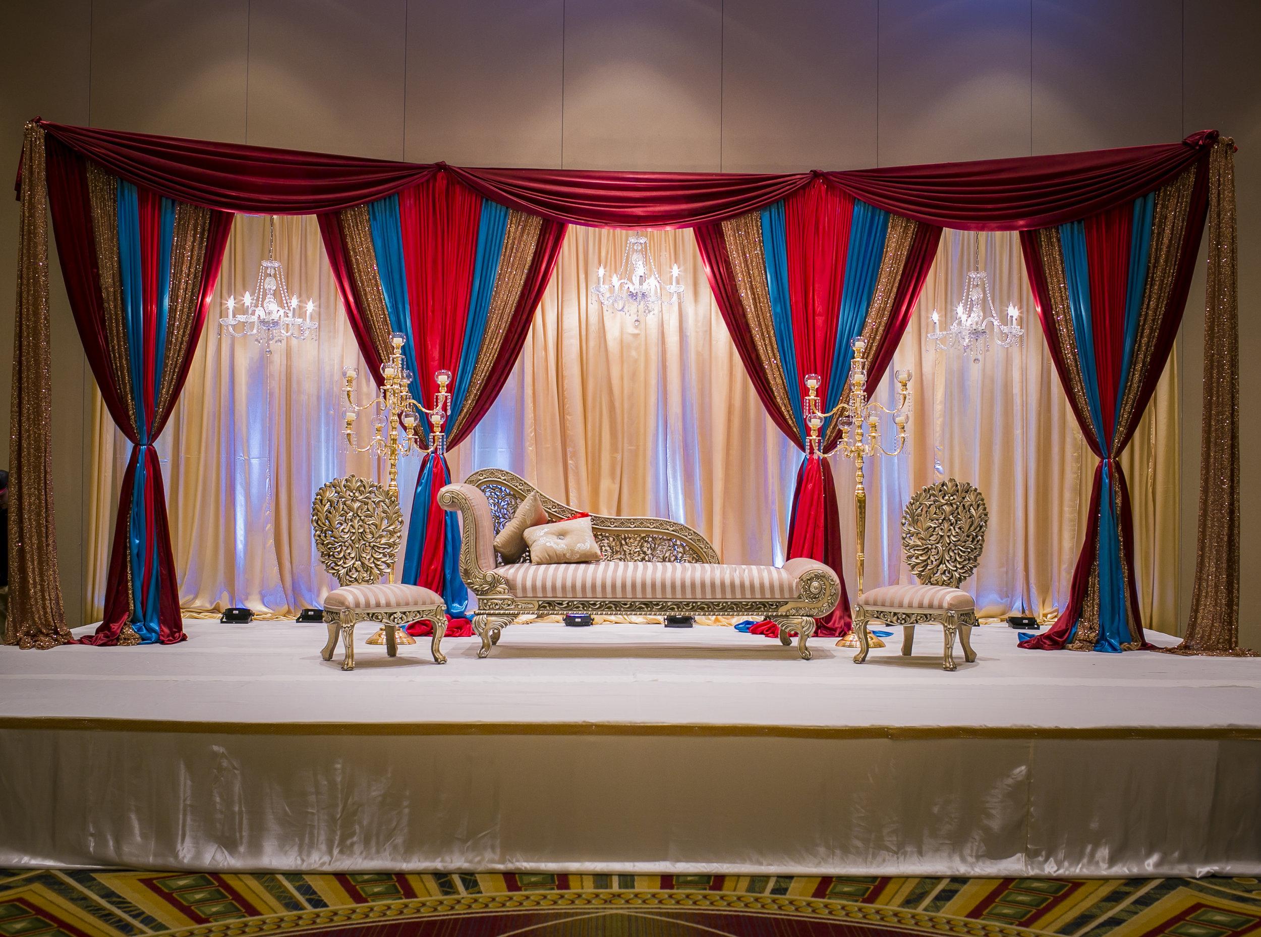 Gold-carved Half-Devan Sofa Set