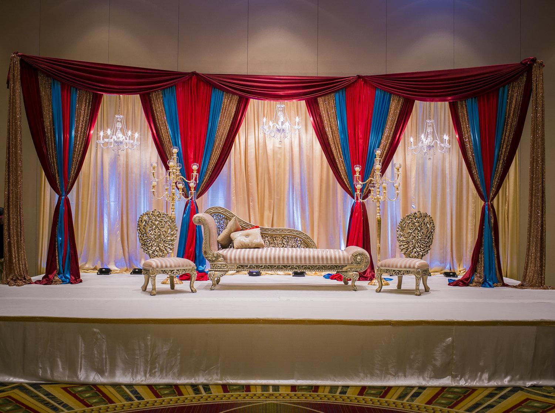 Gold Carved Half Devan Sofa Set