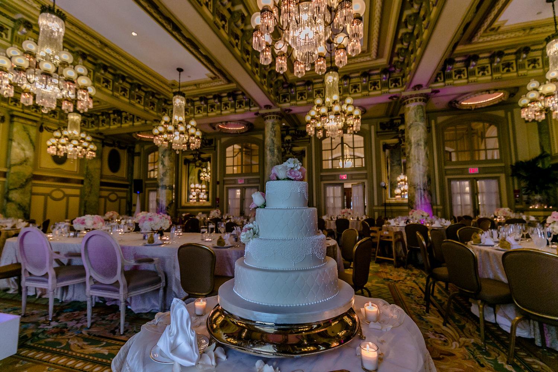 Imperial Decor - Wedding Cake.jpg