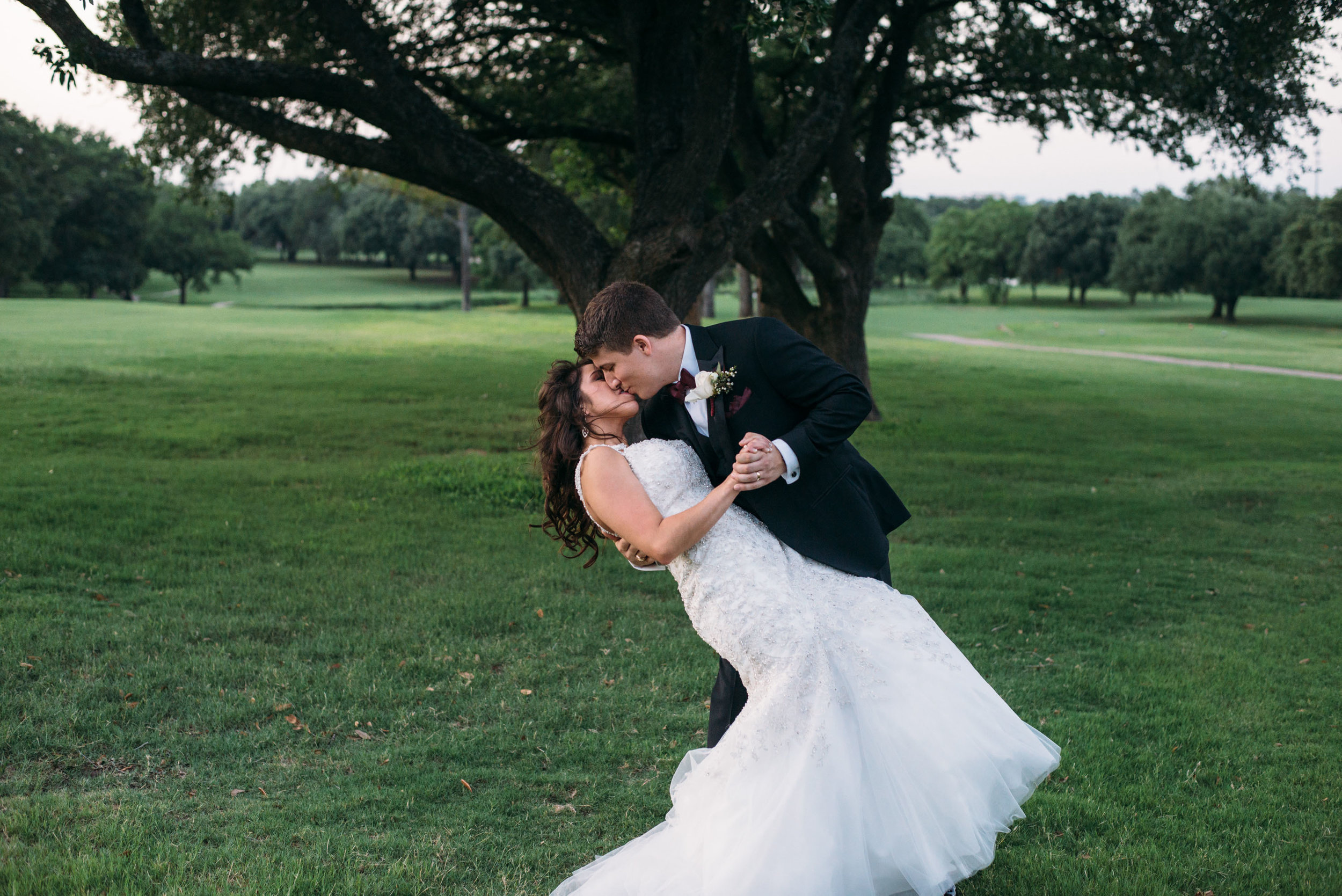 PhillipsEventCenter-AggieWedding-CollegeStationPhotographer_49.jpg
