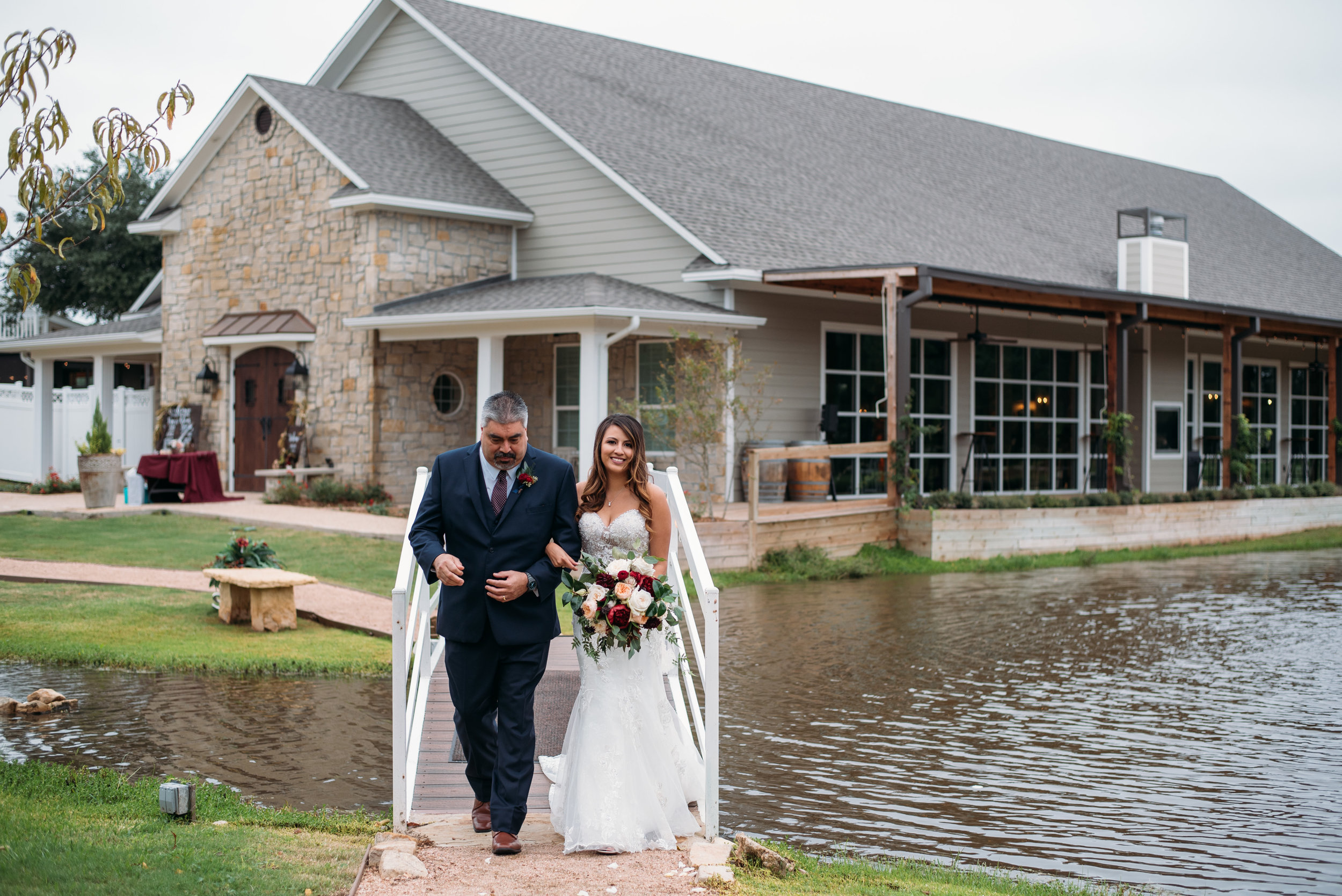 WeddingPhotographer_CollegeStation_InnAtQuarryRidge_19.jpg