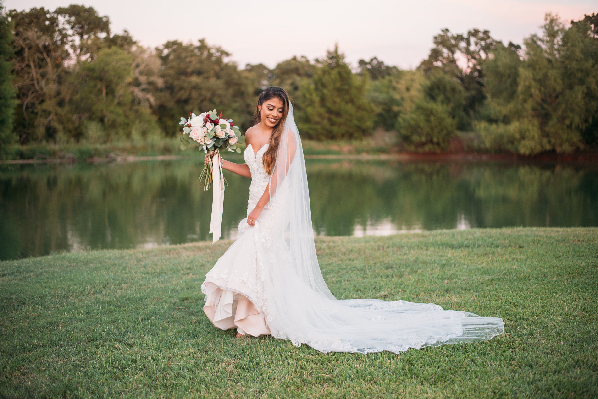 CollegeStation_WeddingPhotographer_SanAngelPhoto_004.jpg